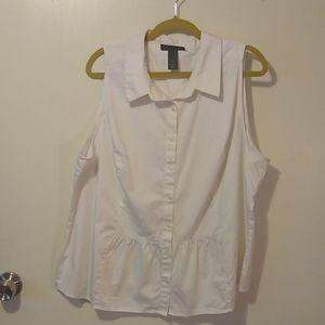 Lane Bryant sleeveless button up blouse